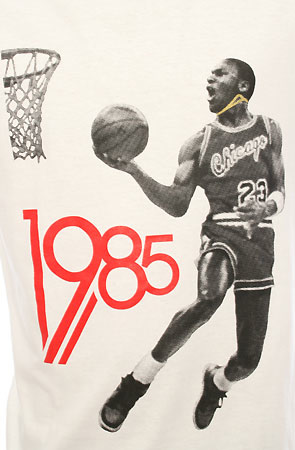 the 1985 tee by Freshnes